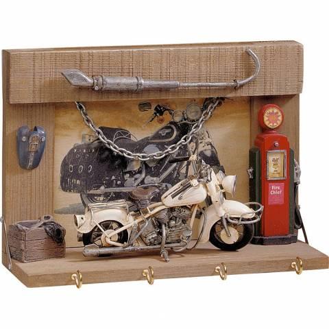 Moto věšák na klíče - model motocyklu součástí
